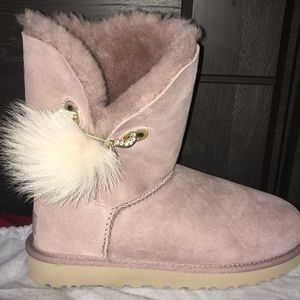 Shoes - Ugg PURE boots